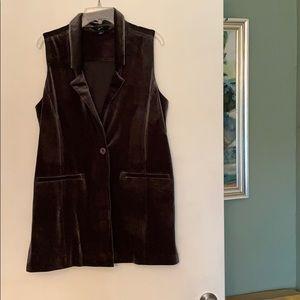 Olive green long velvet vest with pockets M GNW